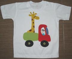 Caminhão girafa (Kaasf) Tags: artesanato artesanal patch patchwork camiseta customizada estilizada patchcolagem caamis patchapliqué patchapliqueé