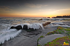 mengening beach (tut bol) Tags: water splash balisunset mengeningbeach