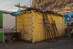 Viejo, amarillo y oxidado. Puerto de Mogn. (www.rojoverdeyazul.es) Tags: puerto de mogn grancanaria port harbor islascanarias canaryislands espaa spain autor lvaro bueno contenedor containermoxidado rusty