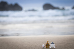 LEGOs at Cannon Beach (David Lim) Tags: lego batman rey star wars r2d2 bb8 c3po beach wonder woman jawa