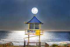 Full Moon shines on the life-guard observation tower at The Entrance Beach, The Entrance, Central Coast, NSW. 16/08/2016 (BrettMichaels Images) Tags: canon nsw 70200mm f28 5d centralcoast mkii fullmoon theentrance beach 18082016 life guard tower lookout observation