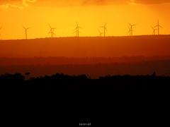 Ainda sobre sbado (CaiU) Tags: garanhuns torres caets pernambuco nordeste energia sustentvel tower brazil sunset sun horizon horizonte pordosol landscape paisagem tarde brasil nature mountain hill