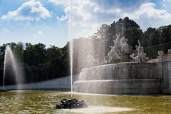 Schloss Schoenbrunn - Neptunbrunnen (Wolfgang Staudt) Tags: schoenbrunn schlossschnbrunn wien schloss barock oesterreich europa hietzing attraktion gloriette neptunbrunnen garten parterre schlossgarten ausflugsziel sehenswert