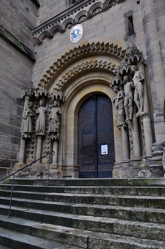 Bamberg (Alemania). Catedral. Fachada principal. Portada de Adán. (Adamspforte)