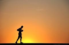 Running time (FleurdeLotus28) Tags: fcamp normandie normandy seinemaritime t summer ombre shadows contrejour sun sunset orange jaune yellow coucherdesoleil nature light lumire people night nuit soir soire run running courir personne man homme sportif minimalism minimalisme