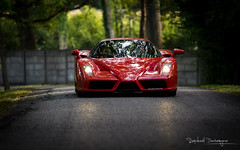 Enzo (Raph/D) Tags: rouge rosso corsa scuderia catchy colors ferrari enzo supercar v12 carbon performance exclusive expensive rare extreme chantilly 2016 rally mortefontaine face front end forest trees reflet brilliance reflecting sportscar car italian italy maranello classic canon eos 7d canoneos7dmarkii mark ii l series lseries ef70200mmf28lusm 70200mm dark spaceship
