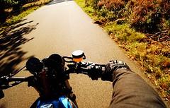 r i d e II (mmmmarta93) Tags: motorcycle holanda parquenacional hoge veluwe arnhem sun movimiento