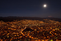 IMG_0288 (rovinglight) Tags: city moon night lights altitude bolivia moonrise suburb nightscene lapaz highest elalto illimani lapazdept