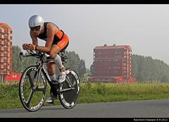 Edo van der Meer leider na 2 ronden (raymondklaassen) Tags: meer van der triathlon edo fietsen flevoland almere wielrennen edovandermeer