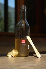 capsules bouteille et bton... (bulbocode909) Tags: bouteilles capsules btons