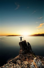 The King (A-lain W-allior A-rtworks) Tags: ocean sea mer france men pose nikon long exposure bretagne falaise hdr homme rochers atlantique longue rocs kerfany d300s