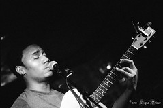 Randy Niles - Singer/Songwriter @ ZirZamin Lounge(8) (Sepia Prince) Tags: newyorkcity blackandwhite slr monochrome 35mm lowlight nikonf100 singer concertphotography guitarist greenwichvillage songwriter ilforddelta3200 filmphotography filmphotographer randyniles normalprocess sepiaprince rated6400 zirzaminlounge