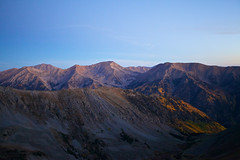 Rocky Morning (Zach Dischner) Tags: morning light mountain mountains nature silhouette sunrise canon eos early colorado natural mark rocky ii summit 5d 14er peaks outline range 1740 belford