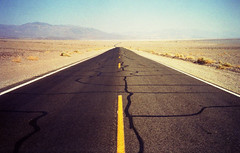 California Road Trip IV (Death Valley Road) (Alberto Sen (www.albertosen.es)) Tags: california leica mini eeuu death valley alberto sen
