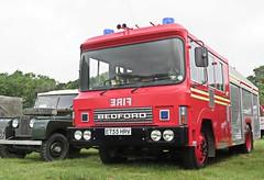 1987 Bedford Fire Engine / Appliance. (ManOfYorkshire) Tags: e755hrv fire engine appliance hampshire firerescue preserved restored bedford tkg bodywork wiston 2016 1987 rally landrover