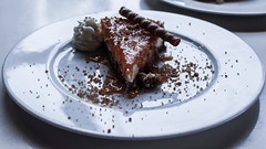 Cheesecake (eskayfoto (aka Nomis.)) Tags: canon eos 700d t5i rebel canon700d canoneos700d rebelt5i canonrebelt5i fuerteventura corralejo islascanarias canaryislands spain espaa sk201602044669editlr sk201602044669 cake pudding dessert cheesecake caramel cream plate dish waikiki
