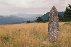 Un dolmen du hameau Paros (eflyfree) Tags: argentique byeflyfree caussenoir dxo france fujicolor200 iso200 nikkormat nikkormatft2 nikon