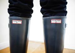 In the black... (essex_mud_explorer) Tags: rubber hunter wellington boots rubberboots hunterboots hunterwellingtonboots wellingtons wellies wellingtonboots boot rubberlaarzen gummistiefel rainboots gumboots madeinscotland vintage gates black