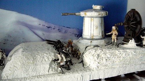 "Battle of Hoth diorama - rebel resistance trench in the snow • <a style=""font-size:0.8em;"" href=""http://www.flickr.com/photos/86825788@N06/7949268552/"" target=""_blank"">View on Flickr</a>"