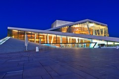 The Oslo Opera House Magic Hour (Maria_Globetrotter) Tags: travel blue house building art tourism oslo norway museum architecture night norge opera europe exterior magic modernism eu landmark clear hour bluehour marble magichour natt hus oslofjord oslofjorden arkitektur bl operahus marmor snhetta timmen exterir bjrvika tarald oslooperahouse lundevall taraldlundevall mygearandme