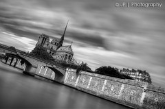 PARiS (J.P | Photography) Tags: longexposure sea wallpaper blackandwhite bw paris france monument nature seine architecture photoshop french photography gris nikon cathedral noiretblanc gray galerie nb notredame cathdrale filter jp nd capitale tamron franais hdr gargouille parisian hdri 1er tourisme hoya touristique 1024 filtre parisienne parisien expositionlongue poselongue nd1000 d7000 nikond7000 jp|photography
