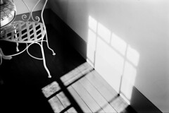 (jump1700) Tags: leica bw film snap yokohama retro80s