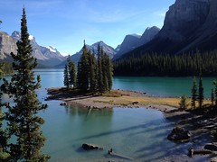 Spirit Island, Maligne Lake (peggyhr) Tags: blue trees friends canada mountains green rocks gallery shadows turquoise alberta grasses ochre malignelake bluehue spiritisland glaciallake finegold thegalaxy 50faves peggyhr heartawards artistspotlight photojewels myfriendsphotos vanagrammofontheoldgramophone 100commentgroup flickraward addictedtonature fleursetpaysages mygearandme blinkagain naturespotofgoldlevel2 naturespotofgoldlevel1 thegalaxyhalloffame visionaryartsgallery1 visionaryartsgallery2 purenature~naturpur niceasitgets~level1 niceasitgets~level2