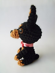 Pinscher de lado (Icedeb) Tags: dog crochet cachorro amigurumi pinscher croch