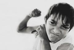 . (ïsThaVision) Tags: street portrait cali calle kid retrato social zaragoza urbano rue gypsy niño ghetto barrio calli gipsy thais calo cale rumano romany gitanos romani gitan gitano zgz callejeros gueto ţigan isthavision istharevolution zincalo singaro zincalli