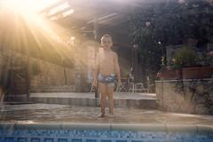 (paolomezzera) Tags: camera portrait film pool swimming child waterproof disposable auchan 800iso autaut usagetta