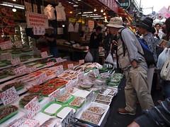 魚屋 (がじゅ) Tags: 散歩 上野 アメ横 魚屋 epl2