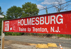 Trenton Line sign still showing the former R7 (jayayess1190) Tags: philadelphia publictransportation pennsylvania masstransit septa commuterrail regionalrail holmesburgjunction