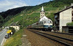 456 106 + 403  Wellmich  13.07.86 (w. + h. brutzer) Tags: analog train germany deutschland nikon eisenbahn railway zug trains db 456 eisenbahnen triebwagen triebzug wellmich et56 triebzge webru