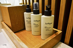 Jurlique amenities (A. Wee) Tags: cathaypacific  thebridge  lounge hongkong hkg    china jurlique amenity bathroom