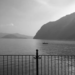 (Paolo Cozzarizza) Tags: italia lombardia bergamo rivadisolto acqua lago lungolago panorama cielo riflesso imbarcazione