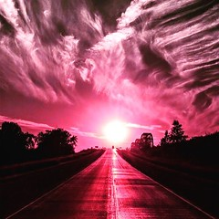 #mystic #apocalypse -like #pink #sky  (Pretty Cool Pic) Tags: pretty cool mystic apocalypse like pink sky