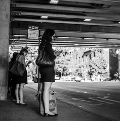 Street walk session 6-27-2016 pic23 (Artemortifica) Tags: belmont brownline cta chicago clarkandlake sonya6300 street blueline buses candid city downtown passengers people trains il