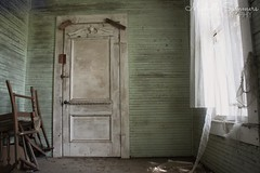 (SouthernHippie) Tags: haunted haunting scary interior house home empty exploring rural ruin rurex old green white alabama abandoned al abandonment architecture windows light shadows forgotten farm farmhouse flickr south southern sunlight sad history historic country countryside