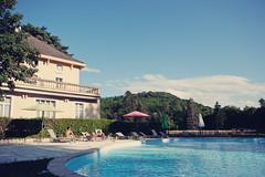 La demeure et la piscine