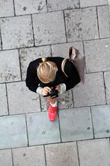 From Above (josephzohn   flickr) Tags: girls people mobil fromabove cellphones tjejer människor uppifrån brahegatan