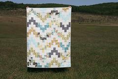 Belle Wave Quilt (Fresh Lemons : Faith) Tags: lillybelle modernquilt artgalleryfabrics freequiltpattern fatquartergang bellewavequilt