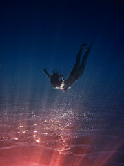 Jupiter crash (ColdSummerPics) Tags: ocean blue light red sea water girl canon mare underwater deep floating powershot explore rays luce drifting ragazza raggi d10 subacquea coldsummerpics salvobombara