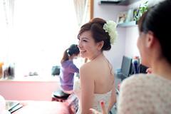 Wedding (HIKARU Pan) Tags: wedding photography asia shanghai documentary indoors backlighting china1 35l canonef35mmf14lusm 5d2