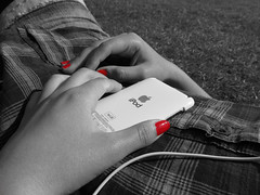 IMG_1011 (Serlith) Tags: red apple ipod applered