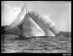18 footer under sail on Sydney Harbour