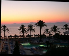 Mallorca , Sunst-serie , on the pool. 1-71/12345 (roba66) Tags: sunset sky sun sol pool clouds atardecer spain sonnenuntergang sundown himmel wolken espana amanecer cielo ama mallorca sonne espagne isla spanien majorca baleares balearen isola ata soleilcouchant soleillevant roba66