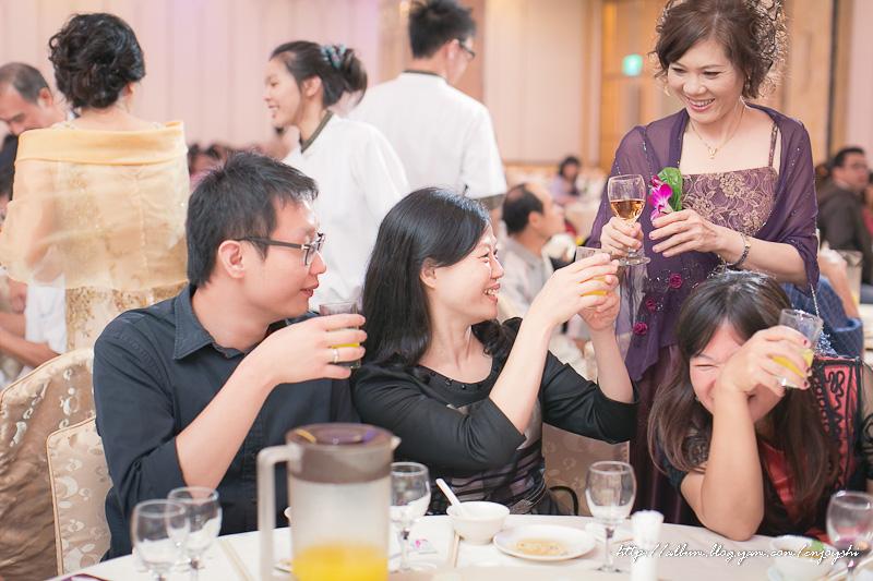 炳霖 依萍 結婚-0210.jpg