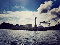 Pravis de tempte. (Anasnap136) Tags: dimanche rentre pluie orage ciel nuages perspective leverte bateau mugel laciotat rochers mer phare grues digue