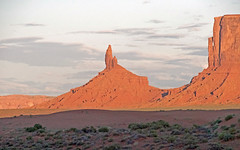 MonumentValley042 (A.C. Taylor) Tags: monument valley dusk