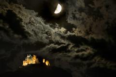 _DSC5466 (albertoric75) Tags: italia italy piemonte sacradisanmichele valdisusa luna moon nuvole notturno luci
